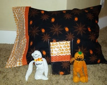 CLEARANCE!!!  Reg. 13.00 Now 8.00 >>> DIY Halloween Pillowcase KITS >>> Fabric pre-cut and pattern included