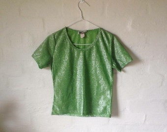 shiny green tee!!
