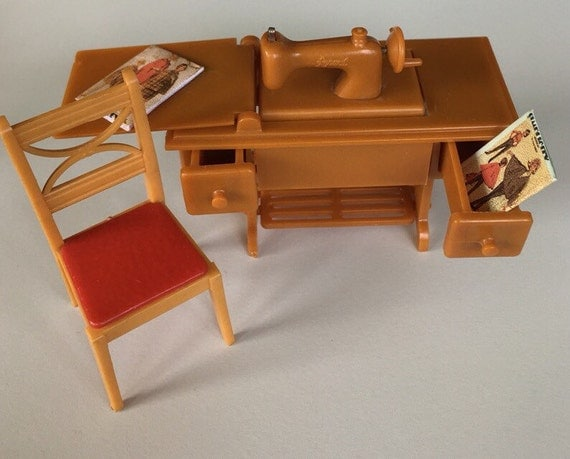 Renwal Sewing Machine Chair Vintage Plastic By Margosmaddness