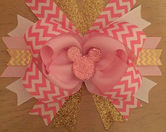 Light pink Minnie Mouse bow