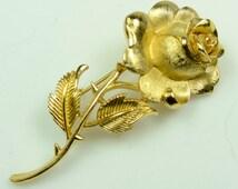 Trifari© Single Long Stem Gold Tone Rose Pin