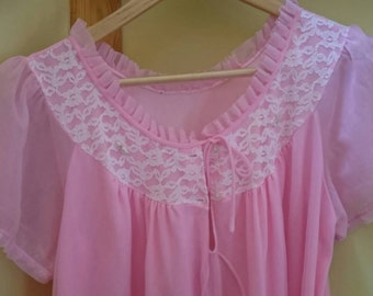 super sweet 60s pink and lace vintage nightgown~retro valentine sweetheart nightgown