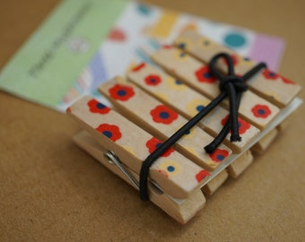 wooden pegs (pack of 4 pcs)