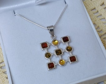 Silver Pendant with amber 925 Silver SK550