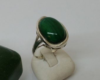 925 Silver ring with Malachite cabochon SR215