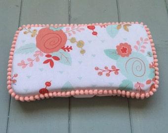 Flower, Wipe Case, Wipes Case, Baby Wipe Case, Travel Wipe Case, Wipes Holder, Baby Wipes Case, Wipes Container, Baby Gift, Babyshower