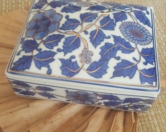 White Blue Porcelain Jewelry Box /Trinket Box With Flower And Leaves With Gold Gilding Lidded Box Lidded Porcelain Box