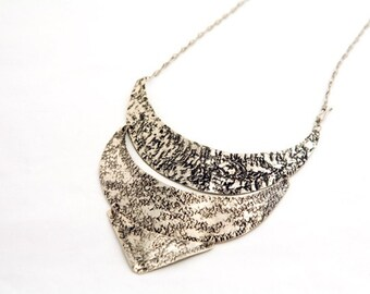 Alpaca silver Bib Necklace . Escama Boho Necklace . Gypsy Necklace .  Bib Necklace . Statement Bib Necklace .  Alpaca necklace