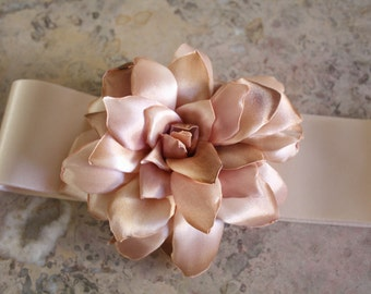 Pastel bridal Sash, Flower Sash, Bridal Flower Sash, flower sash, Wedding Dress Belt, bridal belt, vintage belt, wedding sash, vintage sash