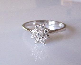 9ct White Gold Diamond Flower Ring UK Size L USA 5 1/2