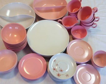 Vintage Pink and White Boontonware/Windsor/Holiday 55 Piece Dinnerware Set