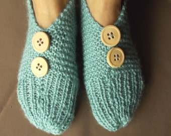 Winter relief designer Knitting woolen socks