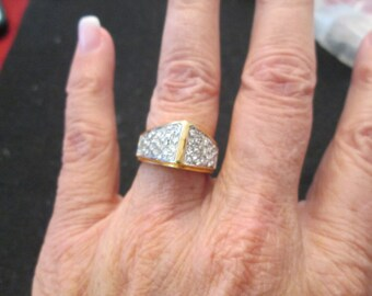 SALE>>Gorgeous CZ and gold ring>>SHOWSTOPPER>> vintage 1970's, new, sizes 6 & 7