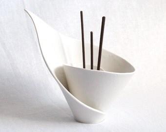 Spiral LILY incense burner, incense holder, ceramic reed diffuser joss stick burner scent stick holder candle holder white porcelain zen