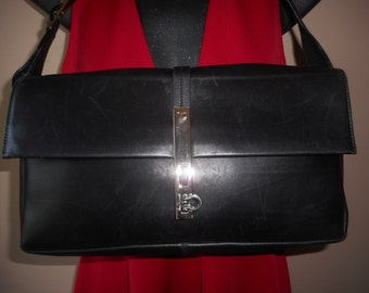 FREE SHIPPING! Vintage Salvatore FERRAGAMO 10.5 x 7 x 2.5 Black Shoulder Bag Italy