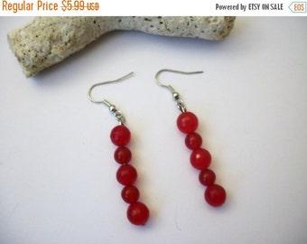 ON SALE Retro Long Fierce Red Glass Dangle Earrings 62816