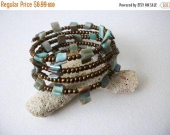 ON SALE Vintage Abalone Shell Wire Glass Beads Bracelet 71416