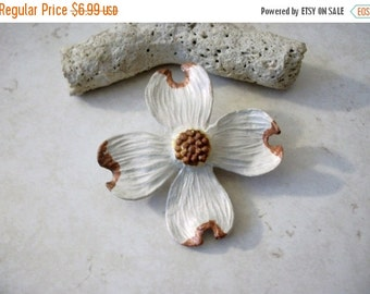 ON SALE Vintage Over Sized Dogwood Blossom Pin 92616