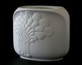 M. Frey for AK Kaiser Germany signed white bisque porcelain vase 667 Mid Century Op art abstract modernist German design