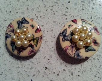 butterfly and pearl button shoe clips, butterfly shoe clips, gift ideas, gifts for her, shoe jewellery, handmade shoe clips