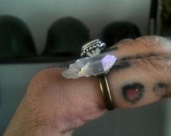 Angel Aura quartz point ring 🌙