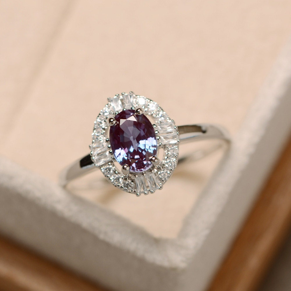 Alexandrite Ring Oval Cut Gemstone Alexandrite Delicate
