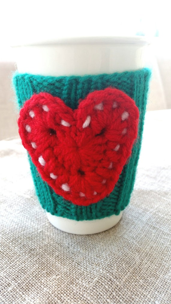 Christmas gift, Crochet green red heart cup cozy, coffee cup cozy, mug cozy, cup cozy, coffee cup sleeve, gift ideas