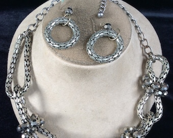 Vintage Chunky Silvertone Irridesent Gray Glass Beaded Necklace & Earring Set