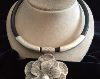 Vintage Large Chunky Thick Black Corded Floral Pendant Necklace
