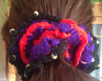 Scrunchy, crocheted with beads
