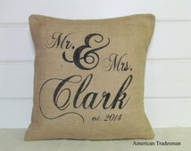 Personalized Mr and Mrs Pillow, Burlap Pillow, Wedding Gift, Anniversary Gift, Valentines Gift