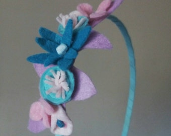 Headband flower pastel shades. Trim the hair for girls
