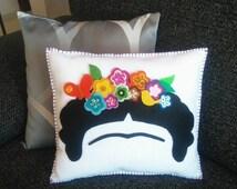 Decor Cushion Frida Kahlo, flower crown, Decorative pillow, Mexican felt doll, Hand sewn, Shine felt flower crown, Frida Kahlo cartoon