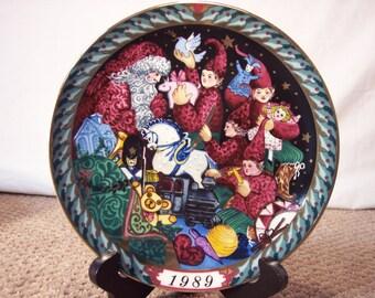"1989 ""Santa's Workshop"" Bing & Grondahl  Collectors Plate"