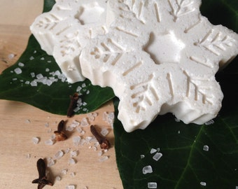 SALE! Handmade Snowflake Soap with peppermint, cinnamon, pine & clove (Peppermint soap, Winter soap, Christmas soap, Festive soap)