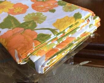 Gorgeous vintage retro flat cotton sheets (two)