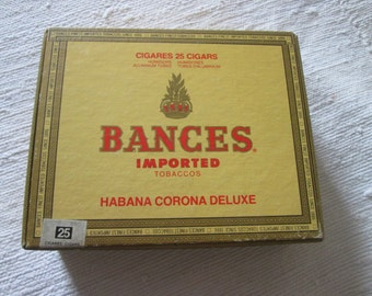 Vintage box of cigars borders
