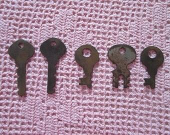 Vintage 5 old keys / Vintage 5 a.-gurdies keys