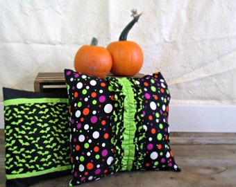 Ready to ship - Halloween pillow cover set, bat pillow cover, polka dot Halloween pillow covers, green and black pillow covers