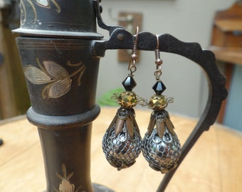 Vintage Style Wire Wrapped Gunmetal Netted Bead Dangle Earrings – ERU080