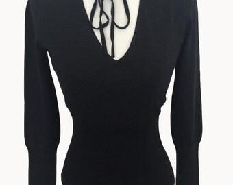 90s Body-con V neck Sweater Top
