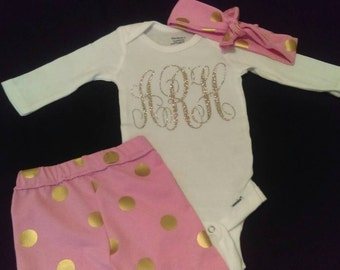 Coming Home Outfit, 3 Piece Set, Baby girl outfit, Newborn, Baby, Toddler, Monogrammed, Custom, Name, Onesie, Pants, Headband