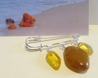 100% Natural Baltic amber Vintage brooch three suspenders 5.6 grams with steel clasp, transparent, lemon, green with a sparkle, C074