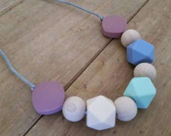 Silicone nursing necklace,  breastfeeding, babywearing, teething jewellery with natural wood beads UK (LM48)