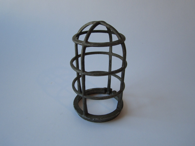 metal light bulb cage steampunk repurpose upcycle diy retro. Black Bedroom Furniture Sets. Home Design Ideas