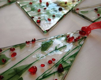 Set of 3 Green and red fused glass Christmas tree ornament - Green and red glass Christmas decoration - Handmade Christmas tree ornament