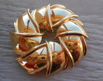 Vintage Large Abstract Gold Pin. 1980's.