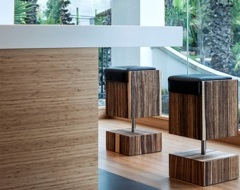 stool footstool sgabello seduta sedia seat chair snack bench pelle skin leather marrone acciaio girevole revolving modern design furniture