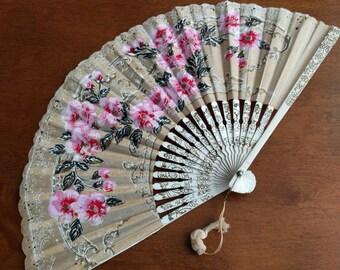 JAPANESE FOLDING FAN, Made in Japan, Paper Fan, Flowers, Vintage, Collectible