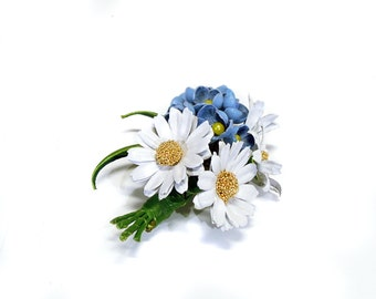 """Tender flower pin made of real leather """"Wild flowers - camomiles, forget-me-nots"""""""